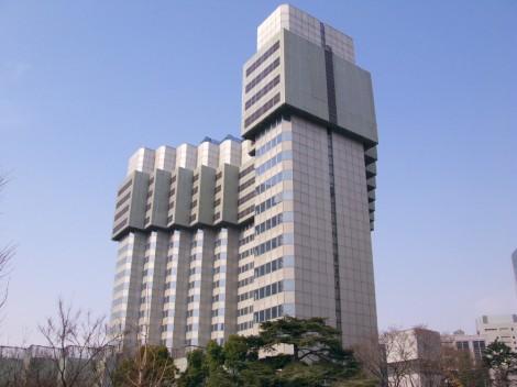 Grand_Prince_Hotel_Akasaka_shrinking